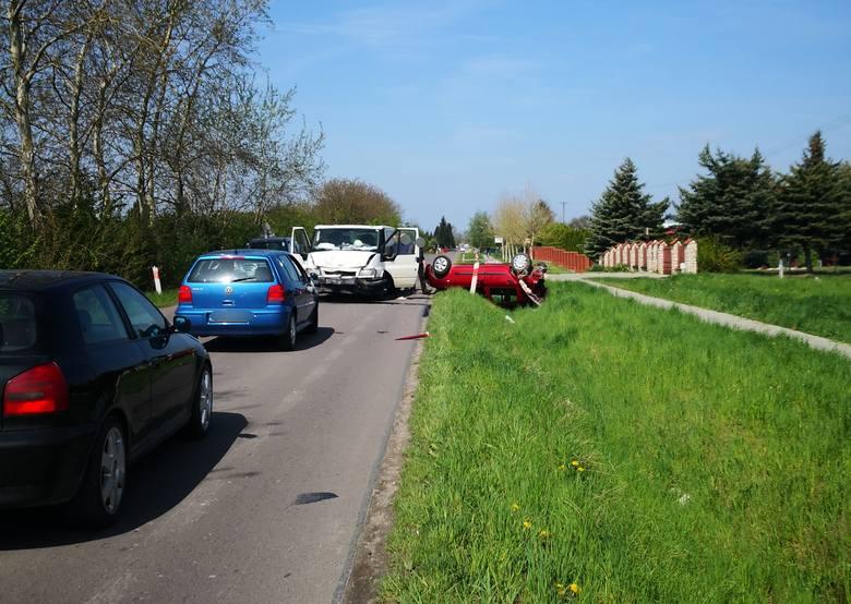 Do zdarzenia doszło w czwartek około godz. 10.30 na ul. Chmielowskiego w Szówsku koło Jarosławia.- Ze wstępnych ustaleń policjantów wynika, że kierujący