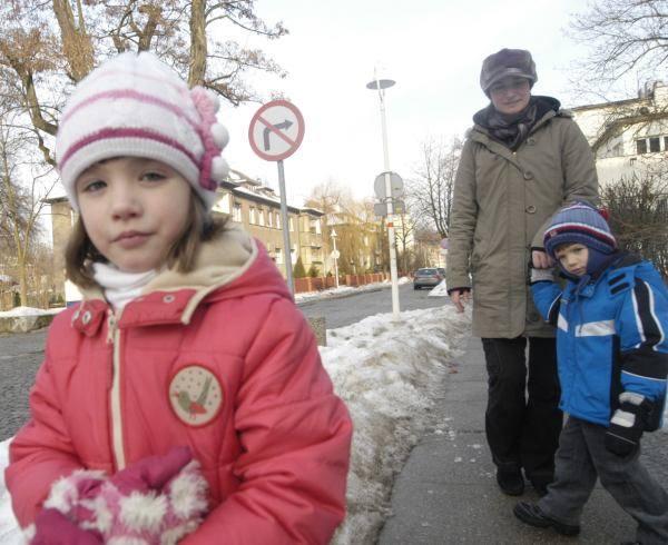 - Posłałam dzieci do przedszkola nie tylko ze względu na swoją pracę - mówi Monika Ślusarczyk, mama Pauliny i Maćka. - Tam mają okazję bawić się z innymi