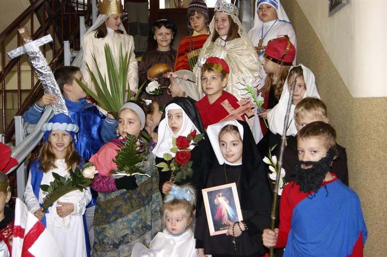 Przez Wieliczkę przeszedł Korowód Świętych [ZDJĘCIA]
