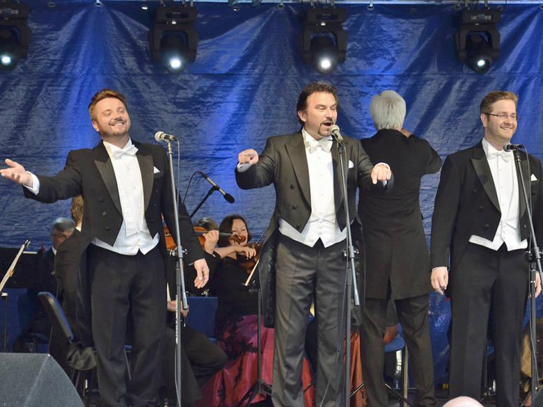 """W """"pojedynku"""" na głosy udział wzięli  (na zdjęciu od lewej): Paweł Skałuba,  Dariusz Stachura i Tadeusz Szlenkier."""