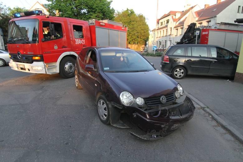 Wypadek w Leśnicy na skrzyżowaniu Dolnobrzeskiej, Wolskiej i Krępickiej - 11.05.2016