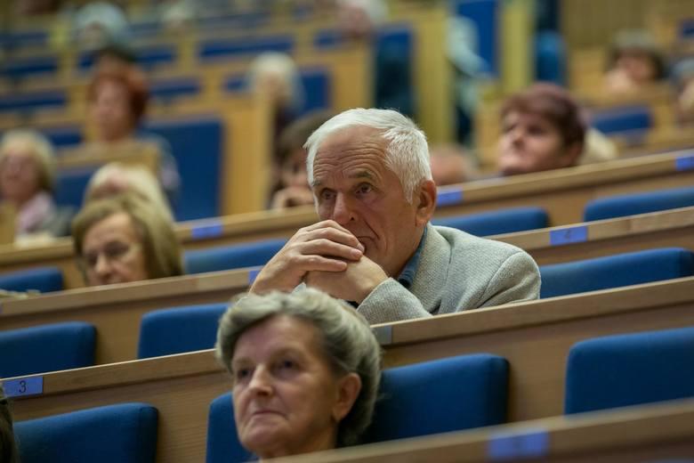 95 proc. słuchaczy małopolskich uniwersytetów trzeciego wieku oraz bywalców Forów Seniora stanowią panie. Panowie w tym gronie to istne rodzynki.