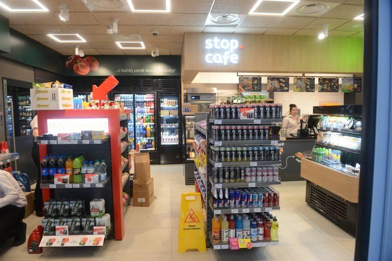 Rzecznik Kurii Metropolitalnej krytycznie o prezerwatywach przy kasach na stacjach Orlen