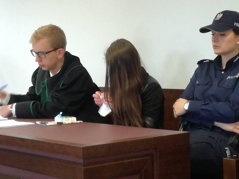 """Zwłoki dziecka w Majdanie Kozłowieckim. Policjant: """"Po wejściu do pomieszczenia wyczułem odór"""""""