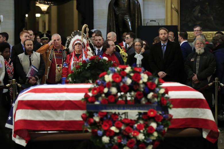 Pogrzeb George'a Busha seniora [ZDJĘCIA] 41. prezydenta USA żegnała Ameryka, świat i jego wierny pies. Byli też Lech Wałęsa i Andrzej Duda