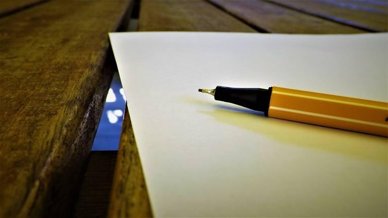 Każdy zdający powinien mieć na egzaminie z każdego przedmiotu długopis (lub pióro) z czarnym tuszem (atramentem) przeznaczony do zapisywania rozwiązań
