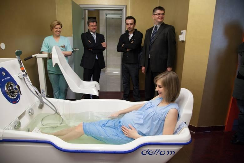 Poród w wodzie już możliwy w Białymstoku. Zobacz, jak to wygląda [FOTO]