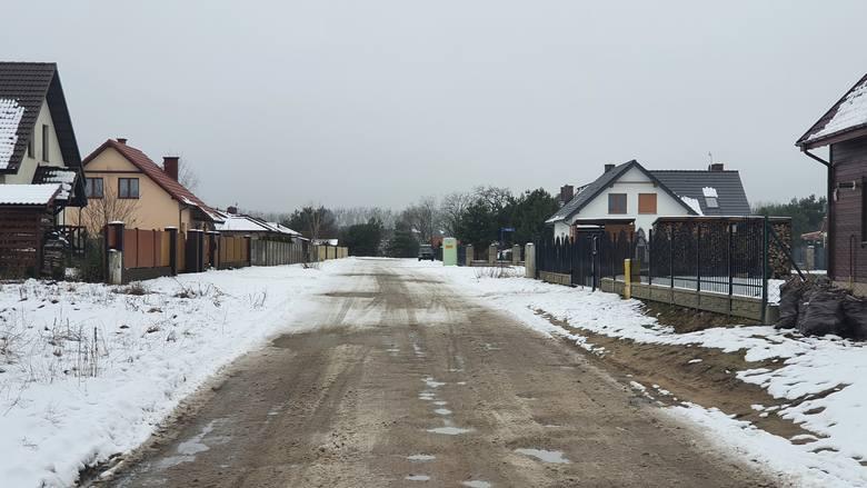 Tak wygląda główna ulica podbydgoskiego Murowańca.