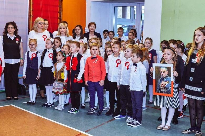 Biało-czerwono, patriotycznie, artystycznie, sportowo i smacznie. Tak mieszkańcy Ustronia Morskiego obchodzili setną rocznicę odzyskania niepodległości.Uroczystości