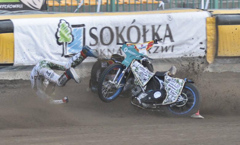 Podczas piątkowego meczu Ekantor.pl Falubazu Zielona Góra z Betardem Spartą Wrocław doszło do dwóch bardzo groźnie wyglądających upadków.Najpierw upadli