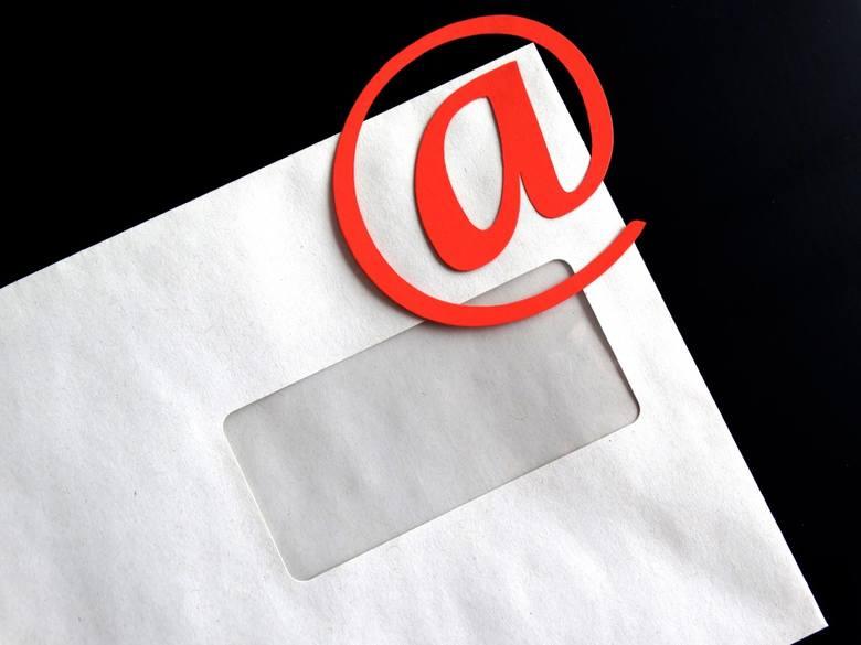 Wysyłanie CV z adresu zaczynającego się od Buziaczek89 albo MalaMi_77 to najgorszy pomysł z możliwych. W ten sposób tylko ubawimy rekrutera; całkiem