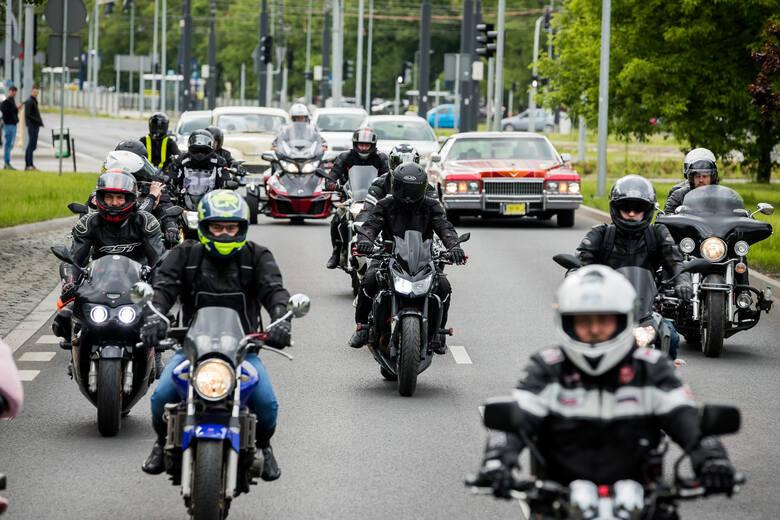 Motocykliści dzielą się na tych, którzy jeżdżą zgodnie z przepisami, rozsądnie, bezpiecznie i na tzw. dawców organów, czyli pędzących na złamanie ka