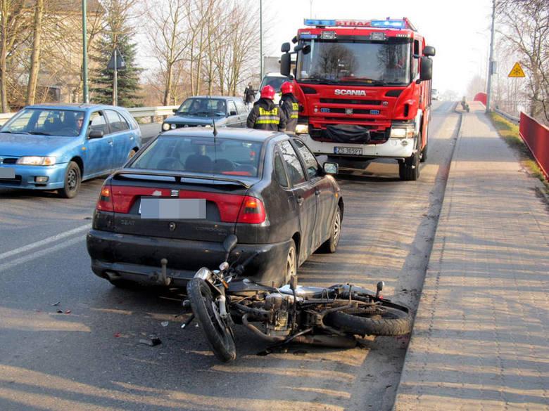 Około godziny 14 na ulicy Kołobrzeskiej w Białogardzie doszło do kolizji motocyklisty z samochodem osobowym. Kierujący motorem został zabrany do szpitala