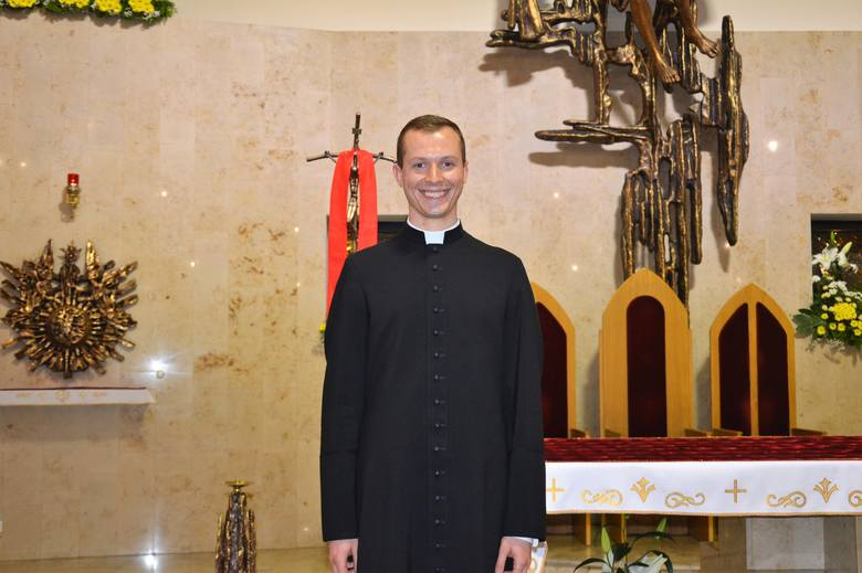 Diakon Dawid Halfar z parafii Matki Bożej w Raciborzu. Ukończył II LO w Raciborzu. Jego pasją jest teologia fundamentalna, z niej pisze pracę magisterską