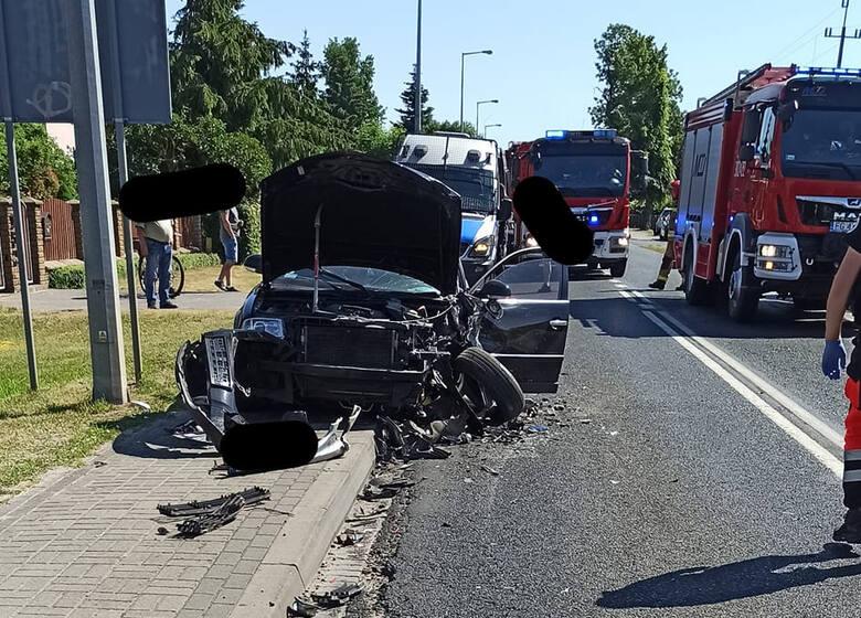 W środę, 16 czerwca w Jeninie pod Gorzowem Wielkopolskim doszło do groźnego wypadku. Dwie osoby zostały ranne. Wypadek w Jeninie Do wypadku doszło 16