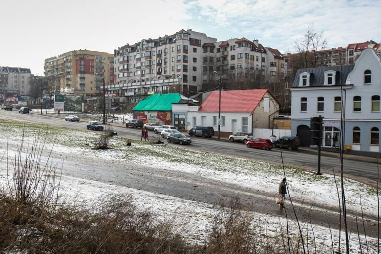 6 lutego ZDMiKP przekazał teren budowy inwestorom. Wkrótce rozpoczną się wyburzenia i Kujawska, jaką znamy obecnie, zmieni swój wygląd. Ulicą pojedzie