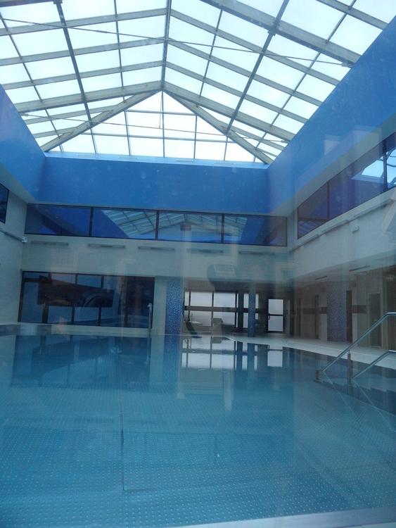 W katowickim Spodku jest basen. A to niespodzianka! [ZDJĘCIA]