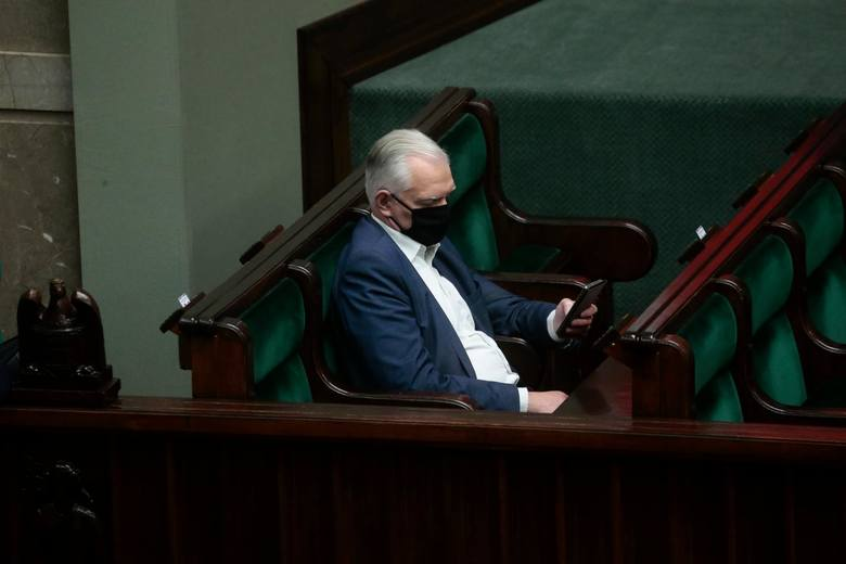 Wicepremier Jarosław Gowin miał zapowiedział rozpoczęcie prac nad objęciem rekompensatami przedsiębiorców, których przychody spadły o ponad 70 proc.