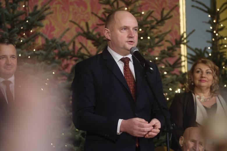 Marszałka Województwa Kujawsko - Pomorskiego Piotr Całbeckiegi po raz kolejny zorganizował wigilię na którą zaproszeni byli samorządowcy z Regionu Kujawsko
