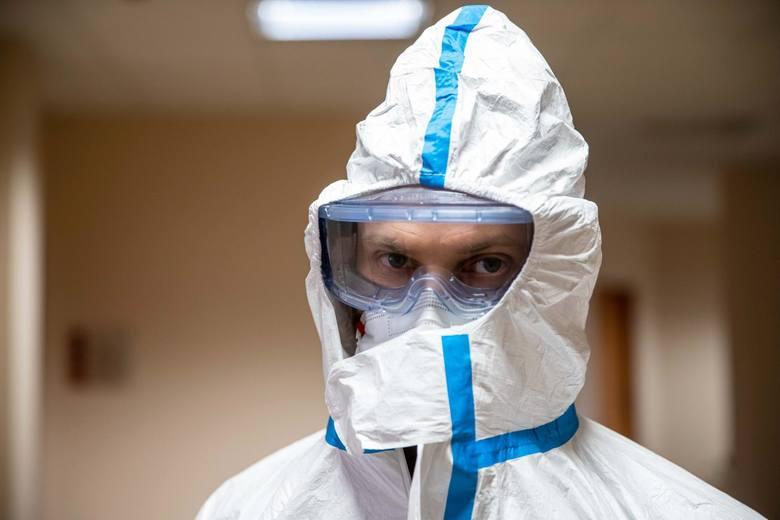 Zarobki w czasach pandemii. Na jakie wynagrodzenie mogą liczyć osoby na pierwszej linii frontu walki z koronawirusem?
