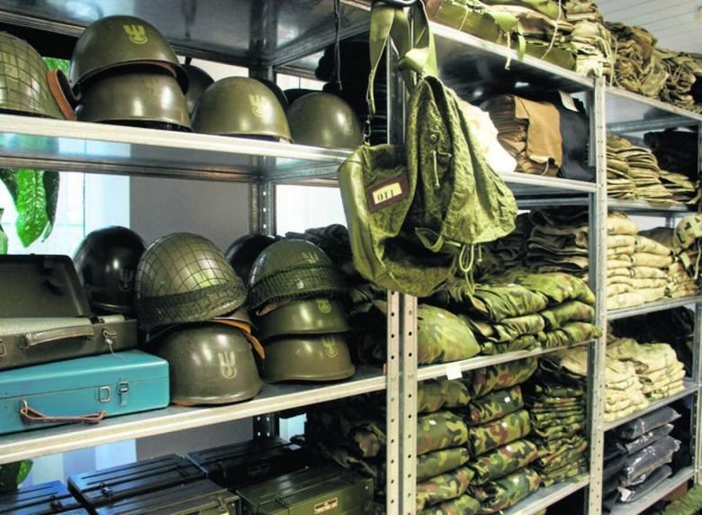 Takich rzeczy nie kupisz nigdzie indziej. Wojsko systematycznie przegląda magazyny i wystawia na sprzedaż wyposażenie, specjalistyczny sprzęt i odzież.