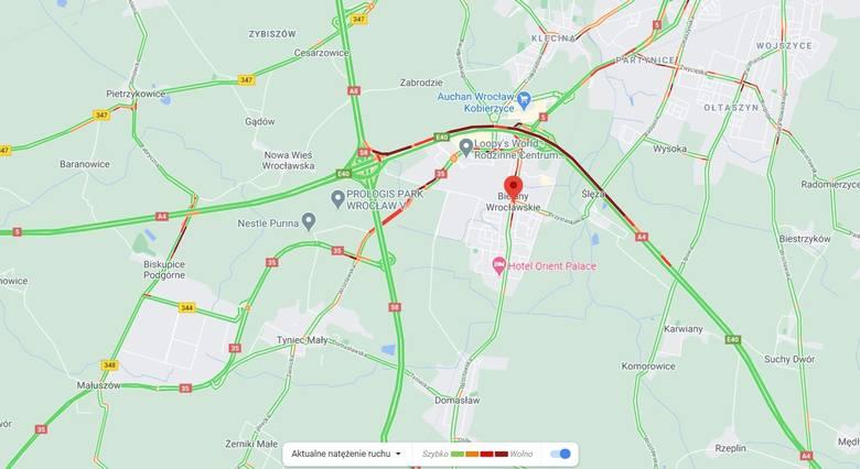 Wypadek na autostradzie A4 w okolicy Bielan Wrocławskich. Utrudnienia w ruchu, tworzy się korek