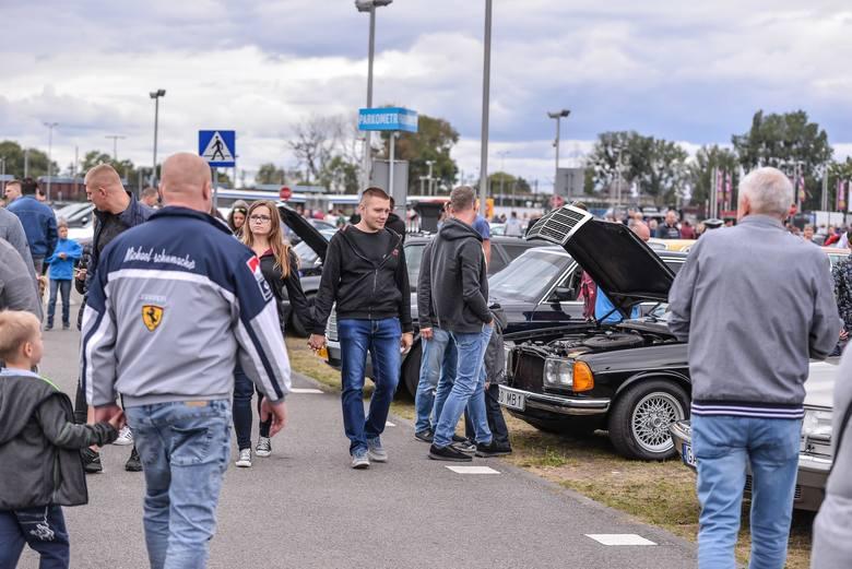 Jakie auto kupić do 10 tysięcy złotych? Czy w przedziale 6-10 tys. zł można kupić sensowny, sprawny pojazd? Prezentujemy oferty aut z Torunia w tym przedziale