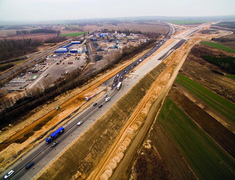 Gierkówka w korku. Tak się buduje matkę polskich autostrad