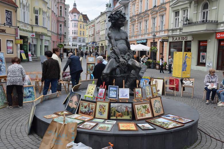 Wystawa prac artystów nieprofesjonalnych - którą zorganizował lubuski okręg ZNP i grupa Babie Lato z Zielonogórskiego Ośrodka Kultury - w ramach Lata