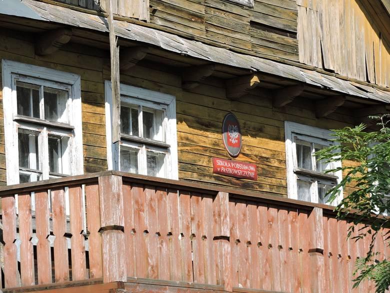 Król disco polo urodził się w tym domu Zobacz, jak wygląda rodzinny dom Zenka