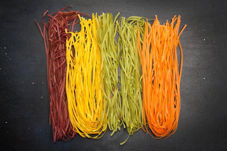 Kolorowy makaron pszenny