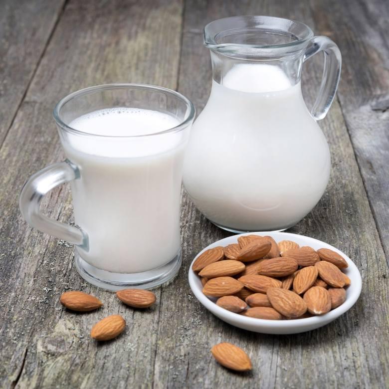 Mleko migdałowe ma przyjemny smak