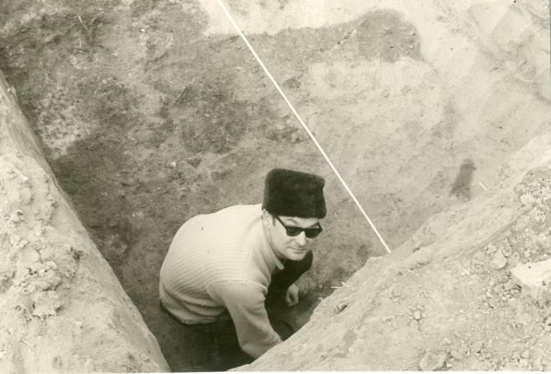 Jerzy Szydłowski pozostaje jedynym jak do tej pory profesorem archeologii rodem z Górnego Śląska. Pradzieje oraz wczesne średniowiecze naszego regionu badał ze szczególną pasją
