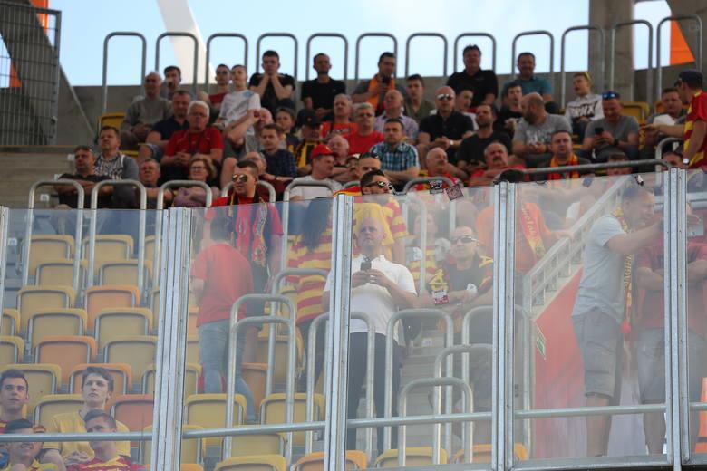 Mecz Jagiellonia Białystok - Legia Warszawa. Kibice dopisali. Zobacz doping