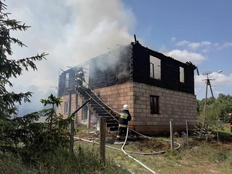 We wtorek strażacy zostali zadysponowani do pożaru domu w miejscowości Rudniki.