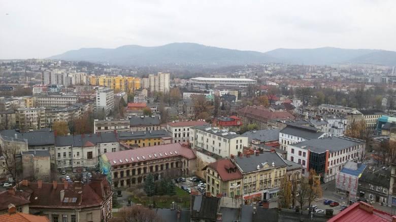 BIELSKO-BIAŁAOddział ZUS w Bielsku-Białej w ramach kontroli wykorzystywania zwolnień lekarskich skontrolował prawie 2,5 tys. osób. Cofnięto zasiłek 200