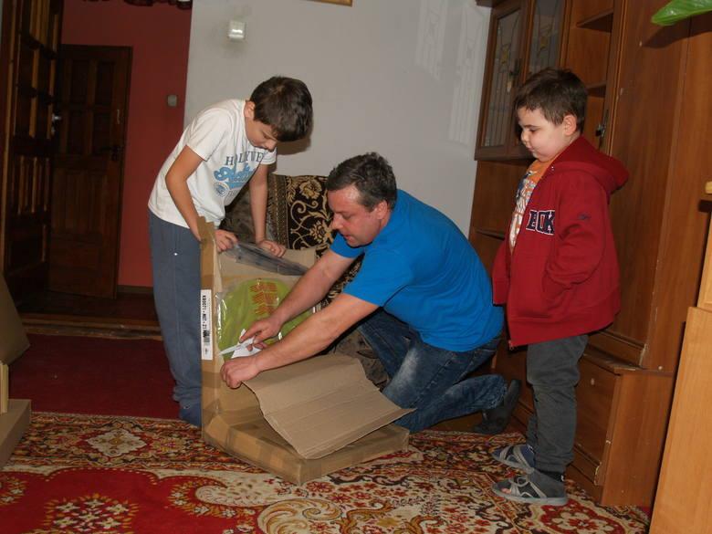 Chory Łukasz z Zalesia dostał prezent od fabryki FORTE