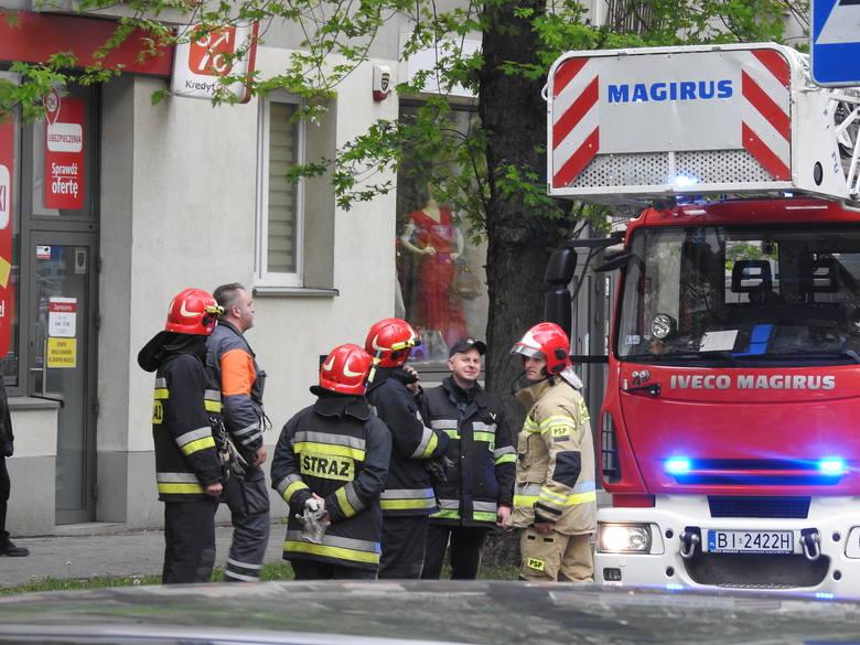 Interwencja strażaków przy ul. Malmeda spowodowała chwilowe utrudnienia w ruchu oraz zgromadziła liczną grupę gapiów. Na szczęście nie doszło do poważniejszego