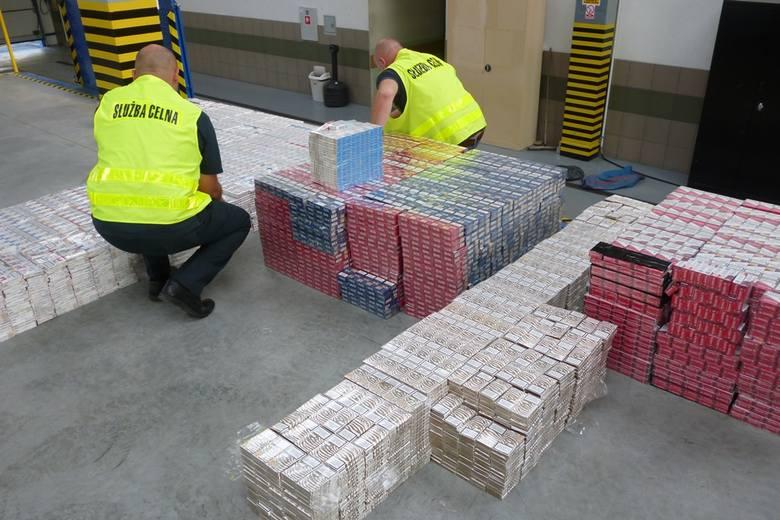 25 tys. paczek nielegalnych papierosów