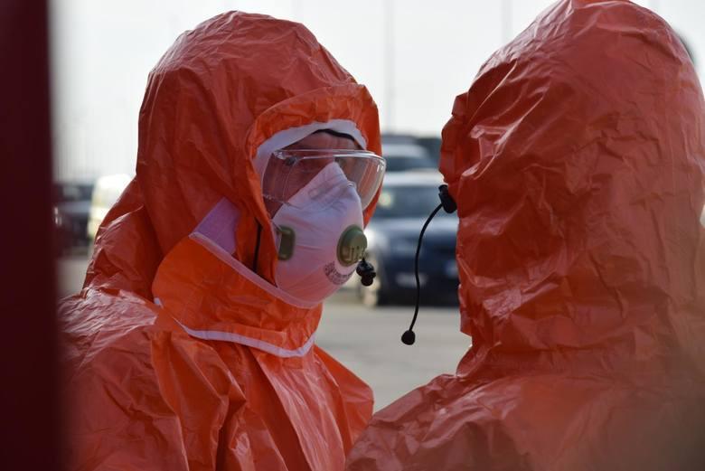 Trzy osoby chore, 48 osób hospitalizowanych ze względu na podejrzenie zachorowania na koronawirusa. 302 osoby objęte kwarantanną, a 552 osoby objęte