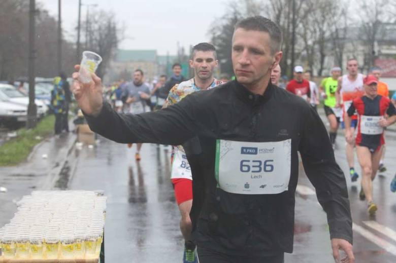 9. Poznań Półmaraton 2016. Zdjęcia zawodników i publiczności