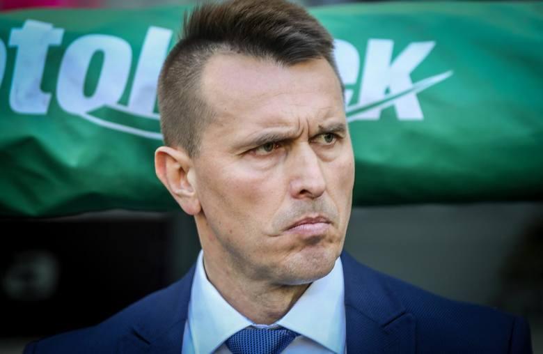 Leszek Ojrzyński w piątek znów nie zasiądzie na ławce rezerwowych Wisły Płock