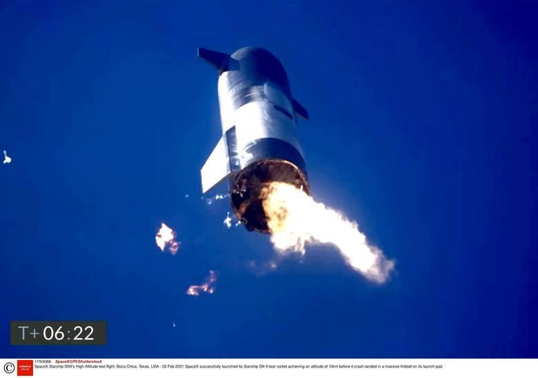 Znów katastrofa rakiety SpaceX. Po udanym starcie Starship SN9 Elona Muska runął na ziemię i stanął w płomieniach [WIDEO]