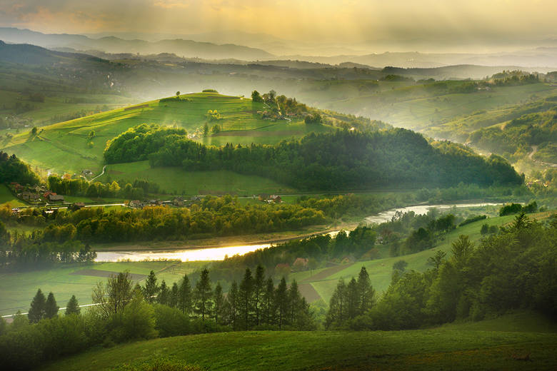 W krainie gdzie góry i woda malują pejzaże