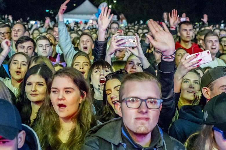 Juwenalia Poznań 2019 rozpoczęte. Po wielkim serialowym pochodzie, który przeszedł ulicami stolicy Wielkopolski, nadszedł czas na zabawę w parku im.