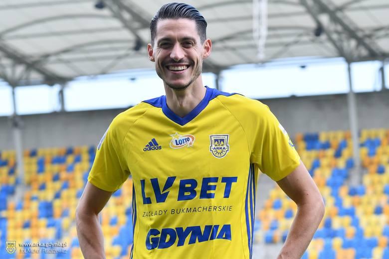 Przyszli: Kamil Antonik (Resovia), Marcin Budziński (Cracovia), Azer Bušuladžić (APS Atrómitos Athinón),  Michał Kopczyński (Wellington Phoenix FC),