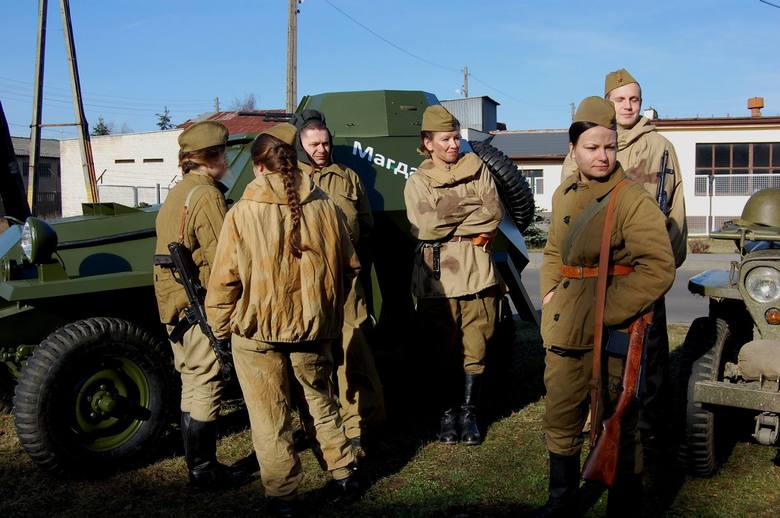 Anna ChreptowiczMundury, żołnierze i wojenny sprzęt... W niedzielę, 7 lutego w Kargowej na chwilę znów wybuchła wojna. Zimowa ofensywa przypomniała wydarzenia