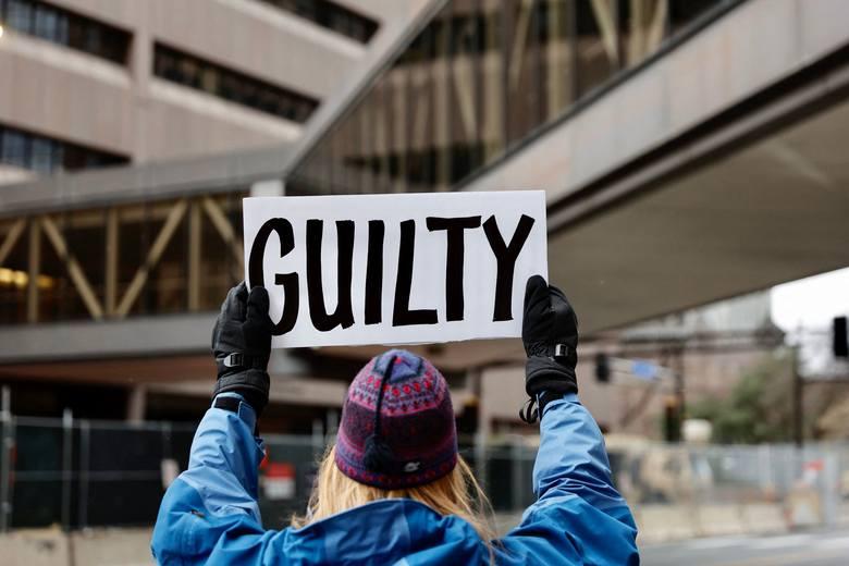 Minneapolis: kończy się proces policjanta, który zabił George'a Floyda. Ameryka w strachu przed zamieszkami