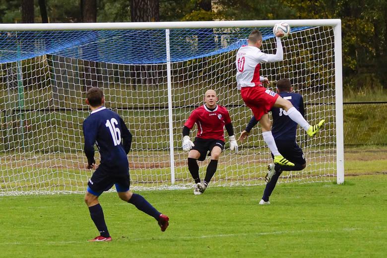 W sobotnim meczu 11. kolejki IV ligi, Unia/Drobex Solec Kujawski przegrała na własnym boisku z Unią Janikowo 2:3 (1:0). Od 77. minuty, goście grali w