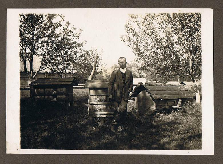 Pasieka na Lubelszczyźnie, lata 30. XX wieku. <br />